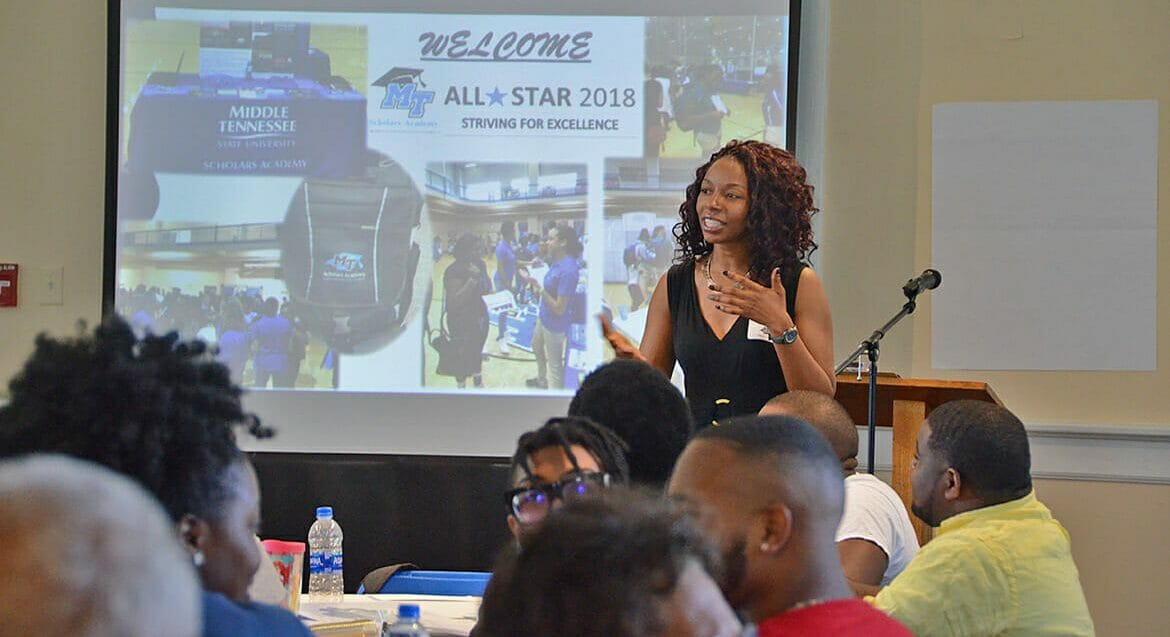 Brelinda Johnson, manager of the MTSU Scholars Academy, speaks to academy mentors during a training session Aug. 8 inside the Tom H. Jackson Building. (MTSU photo by K. Simpson)