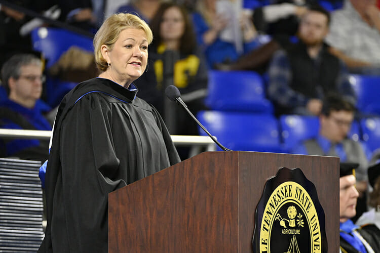 Wanda Lyle, managing director of UBS AG and general manager of the UBS Business Solutions Center in Nashville, makes a point Saturday, Dec. 15, during her address to graduating students at MTSU's fall 2018 morning commencement ceremony in Murphy Center. MTSU presented 1,731 degrees to students in dual ceremonies, including 1,471 undergraduates and 260 graduate students in the celebrations. (MTSU photo by Andy Heidt)
