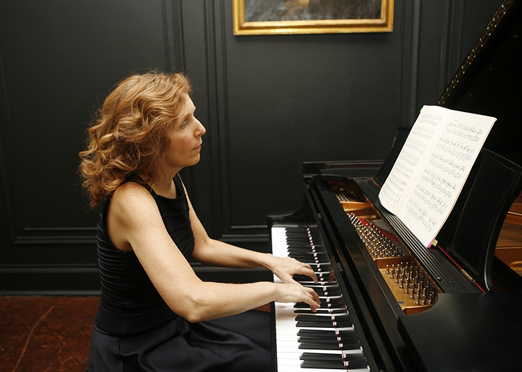 """Pianist Carolyn Enger, whose critically acclaimed presentation """"Mischlinge Exposé"""" spans a broad field of academic disciplines, will perform live at 1 p.m. Tuesday, April 16, in the Tennessee Room of MTSU's James Union Building. (Submitted photo)"""