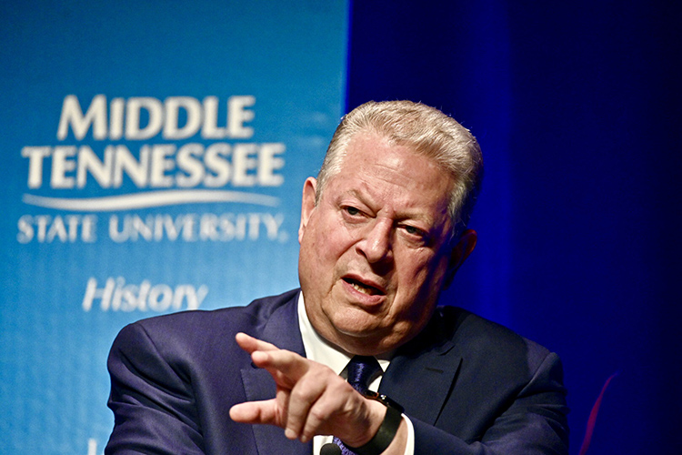 Former Vice President Al Gore makes a point Monday, Sept. 16, during a public forum at Tucker Theatre with author Anthony Badger to discuss Badger's new biography on Gore's father, the late U.S. Sen. Albert Gore Sr. (MTSU photo by J. Intintoli)