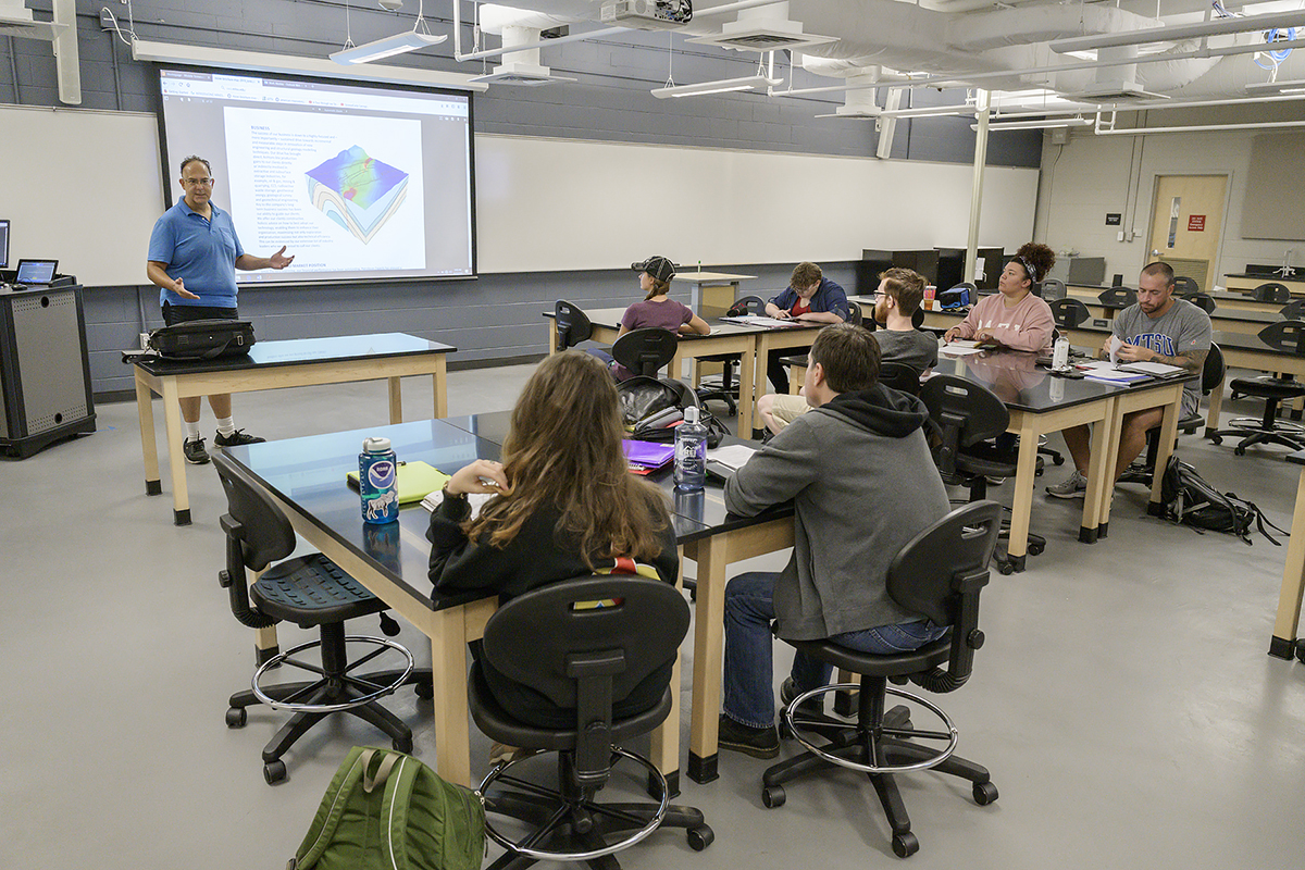 MTSU geosciences professor Mark Abolins' structural geology class with 11 students is an MT Engage course to foster a culture of engaged learning. The students will benefit from the Petex Move Suite software. (MTSU photo by Andy Heidt)