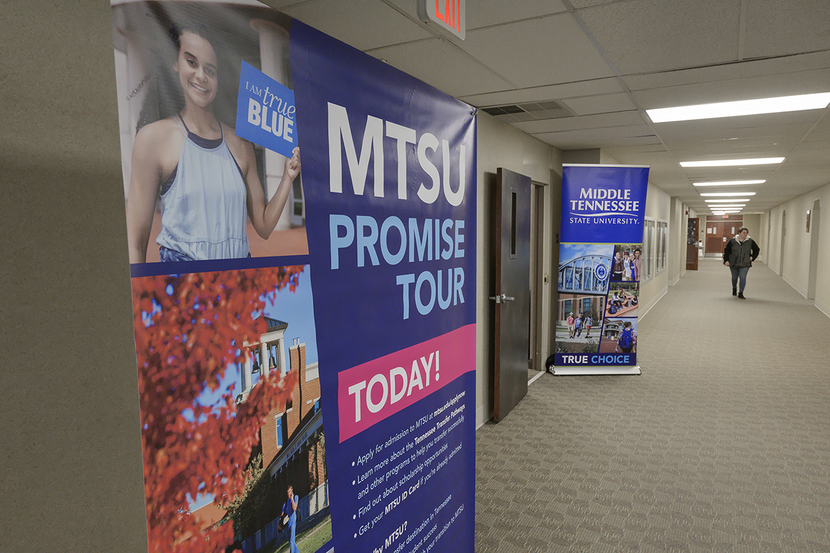 "Prospective MTSU transfer students can follow the signs to any of the nine upcoming ""promise Tour events at community colleges across Tennessee from Jan. 28 until Feb. 13. MTSU admissions transfer staff can assist with the transfer process. (MTSU file photo by Andy Heidt)"