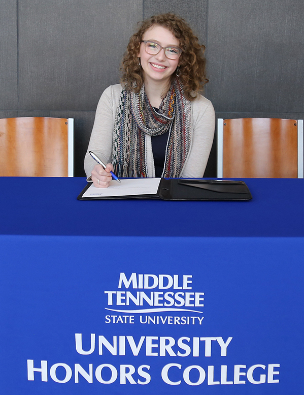Rising MTSU freshman Jillian DeGrie of Brentwood, Tenn., will study studio art and art history in the College of Liberal Arts starting this fall. The Honors Buchanan Fellow and Brentwood High School graduate signed her Honors College Buchanan Fellowship agreement during her February 2020 visit during the Presidents Day Open House. (MTSU photo by Marsha Powers)
