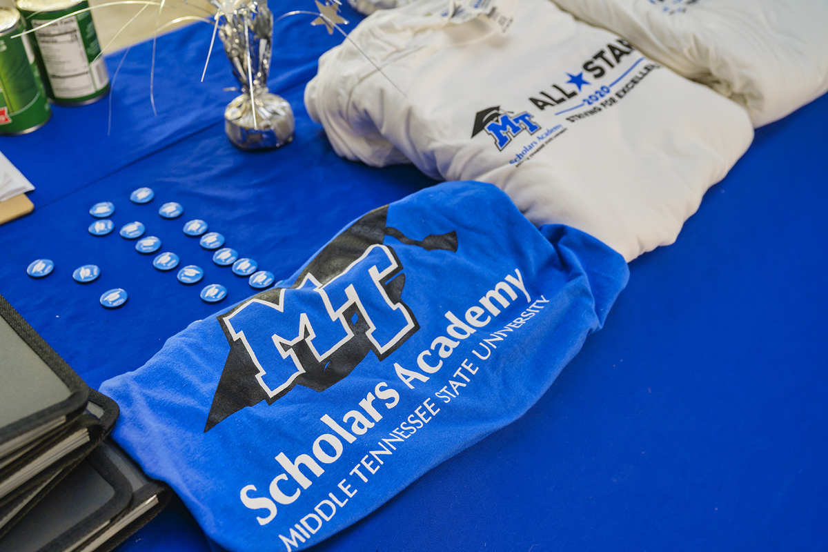 Rewards for Summer 2020 Scholars Academy participants included notebooks, T-shirts and more. (MTSU photo by Andy Heidt)