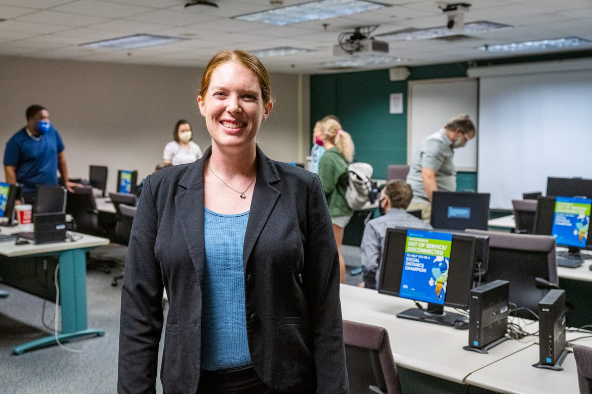 Elizabeth Whalen, Leisure, Sport and Tourism faculty, teaching in a Murphy Center classroom.