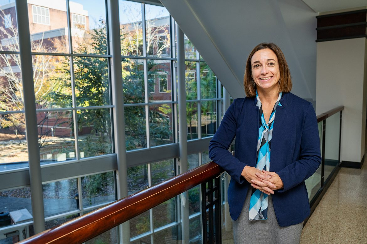 Andrea Kelton, Accounting faculty, teaching in Business and Aerospace Building (BAS). (Photo: Andy Heidt)