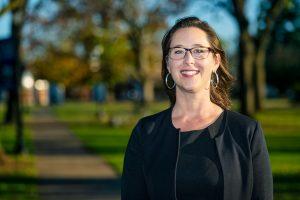 Religious Studies professor empowers students through senior capstone