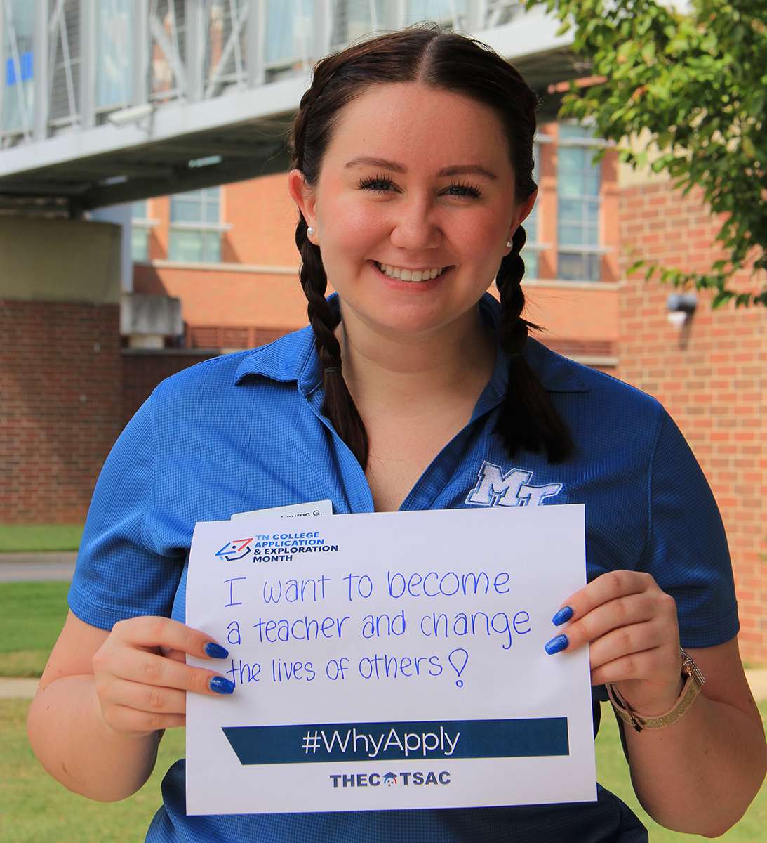 Lauren Goodman, an MTSU junior elementary education major from Murfreesboro, promotes the #WhyApply effort during the fall college application season. MTSU will waive application fees until 11:55 p.m. Sunday, Sept. 26. MTSU staff will assist students attending the Saturday, Sept. 25, True Blue Preview event with the application process — and waive the application fee. (MTSU photo by Katie Roberts)